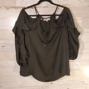 NWT Jennifer Lopez open shoulder blouse